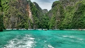 Beaches,Night Life,Temples and Shopping - Phuket!
