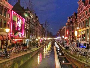 My Experience Of Window Shopping In The Red Light Area Of Amsterdam!