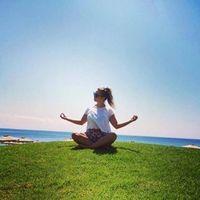 Roxana Oliver Travel Blogger