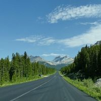 Icefields Parkway 2/3 by Tripoto