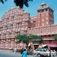 Hawa Mahal - Palace of Wind 4/88 by Tripoto