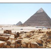 Pyramids of Giza 5/15 by Tripoto