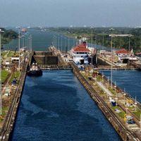 Panama Canal 2/2 by Tripoto