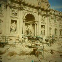 Trevi Fountain 4/7 by Tripoto