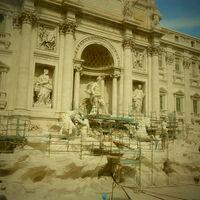 Trevi Fountain 4/25 by Tripoto