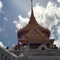Golden Buddha Mittaphap Thai-China Road Bangkok Thailand 5/5 by Tripoto