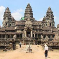 Angkor Wat 2/3 by Tripoto