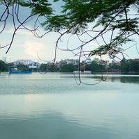 Hoan Kiem Lake 3/7 by Tripoto