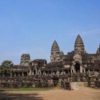 Angkor Wat 5/80 by Tripoto