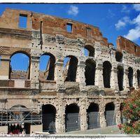 Roman Colosseum 3/35 by Tripoto