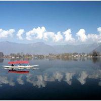 Dal Lake 2/221 by Tripoto
