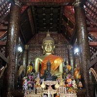 Wat Xieng Thong 4/4 by Tripoto