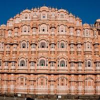 Hawa Mahal - Palace of Wind 2/113 by Tripoto