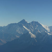 Mount Everest 2/2 by Tripoto
