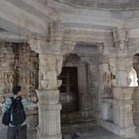 Dilwara Jain Temples 3/3 by Tripoto