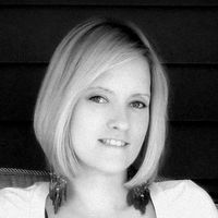 Rhonda Mix Travel Blogger