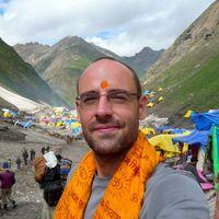 Matthew Crompton Travel Blogger