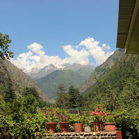 evergreen cafe kasol 2/3 by Tripoto