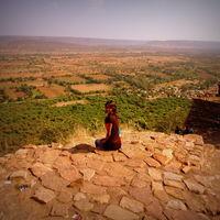 Polomi M (Curious Traveler) Travel Blogger