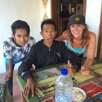 janelle Travel Blogger