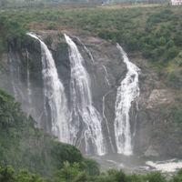 Shivasamudram Falls 5/29 by Tripoto