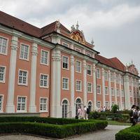 Neues Schloss Meersburg 5/5 by Tripoto