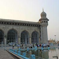 Mecca Masjid 4/8 by Tripoto