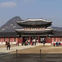 Gyeongbokgung Palace 2/3 by Tripoto