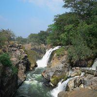 Hogenakkal Waterfalls 5/78 by Tripoto
