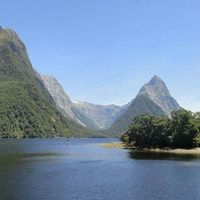 Milford Sound 3/7 by Tripoto