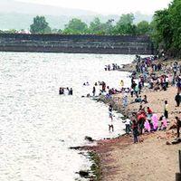 Khadakwasla Dam 3/3 by Tripoto