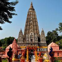 Mahabodhi Temple 2/2 by Tripoto