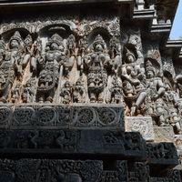 Hoysaleshwara Temple 2/2 by Tripoto