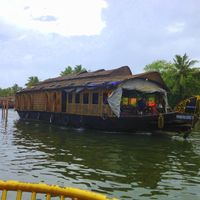 Allepy Backwaters 4/14 by Tripoto