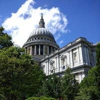 St. Paul's Cathedral 3/4 by Tripoto