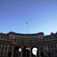 Trafalgar Square 5/7 by Tripoto