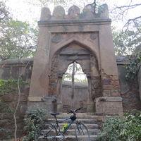 Bhuli Bhatiyari Ka Mahal 3/11 by Tripoto