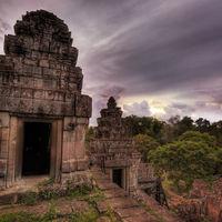 Angkor Wat 5/10 by Tripoto