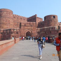 Taj Mahal and Agra Red Fort 2/2 by Tripoto