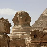 Pyramids of Giza 3/15 by Tripoto