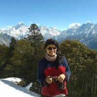 Priyanshi Singhal Travel Blogger