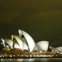 Sydney Opera House 5/10 by Tripoto