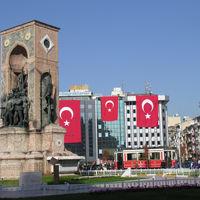 Taksim Square 4/7 by Tripoto