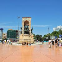 Taksim Square 5/7 by Tripoto