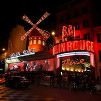 Moulin Rouge 3/5 by Tripoto