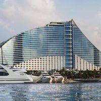 Jumeirah Beach Hotel - Jumeirah Rd. - Dubai - United Arab Emirates 3/8 by Tripoto