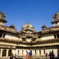 Jahangir Mahal 2/6 by Tripoto