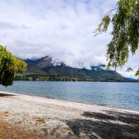 Lake Wanaka 2/3 by Tripoto