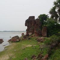 Alamparai Fort 2/16 by Tripoto
