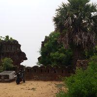Alamparai Fort 5/16 by Tripoto